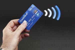Cum să îți protejezi cardul contactless de fraudă. Trucuri simple și eficiente