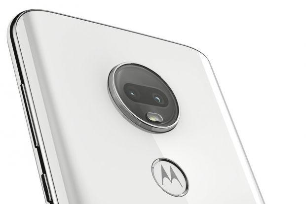 Motorola a prezentat noua serie Moto G7. Unul dintre telefoane are o baterie uriașă