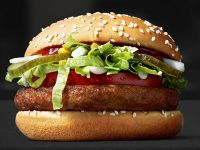 Tehnologia revoluționară prin care McDonald rsquo;s vrea să te convingă să cumperi mai mult fast food