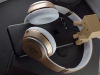 Apple va lansa un model de căști premium over-ear. Cât vor costa