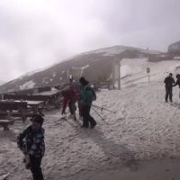 De 42 de ani schiez la Predeal si nu am mai prins un atat de prost . Dezamagirea romanilor de pe partii