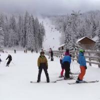 Peste 90% din locurile de cazare de pe Valea Prahovei și din Poiana Brașov sunt rezervate pentru Crăciun. Unde mai sunt oferte