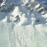 Risc mare de avalanşă în Munţii Făgăraş. Zăpada, aproape de un metru