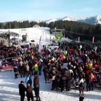 Mii de români au ales Valea Prahovei ca destinație de weekend. Cum s-au distrat